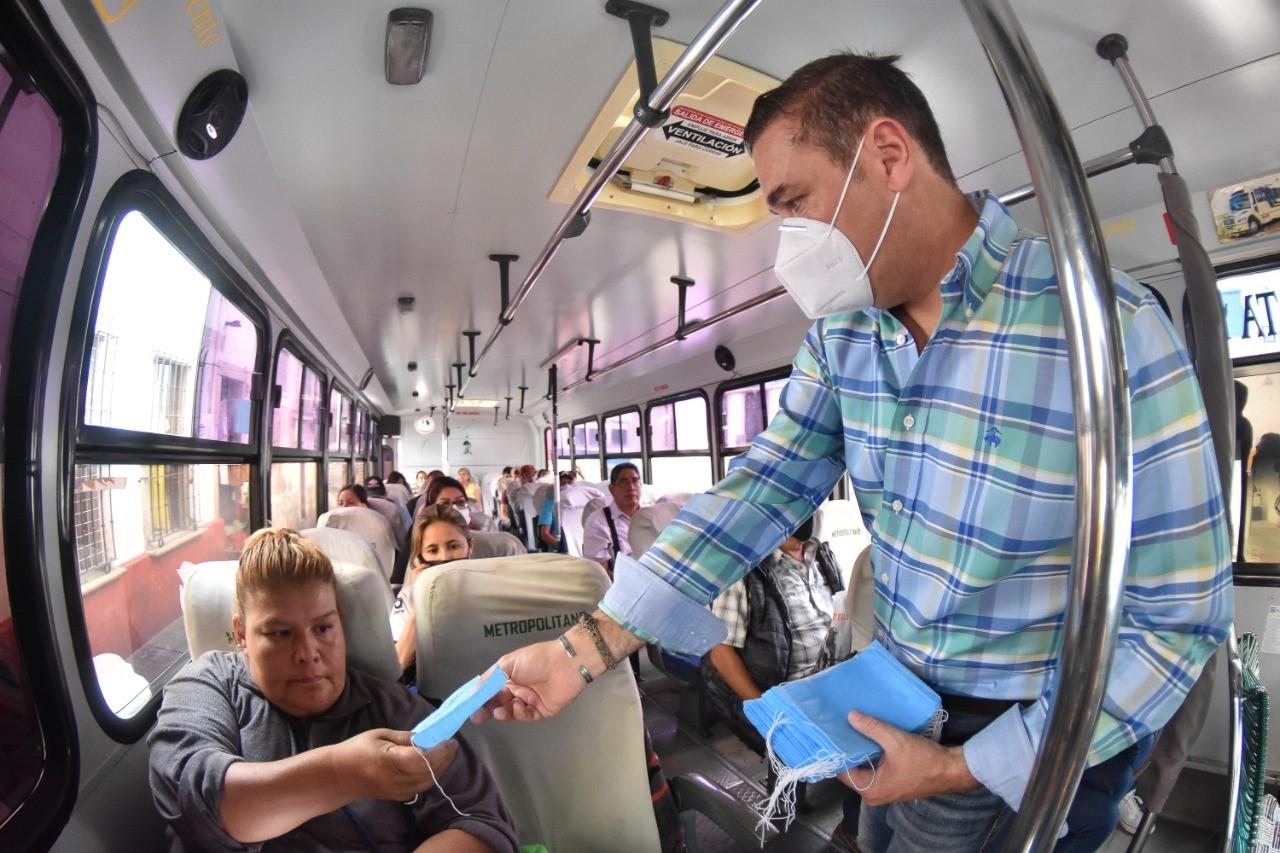 Supervisa Alejandro Navarro uso de cubrebocas en transporte público