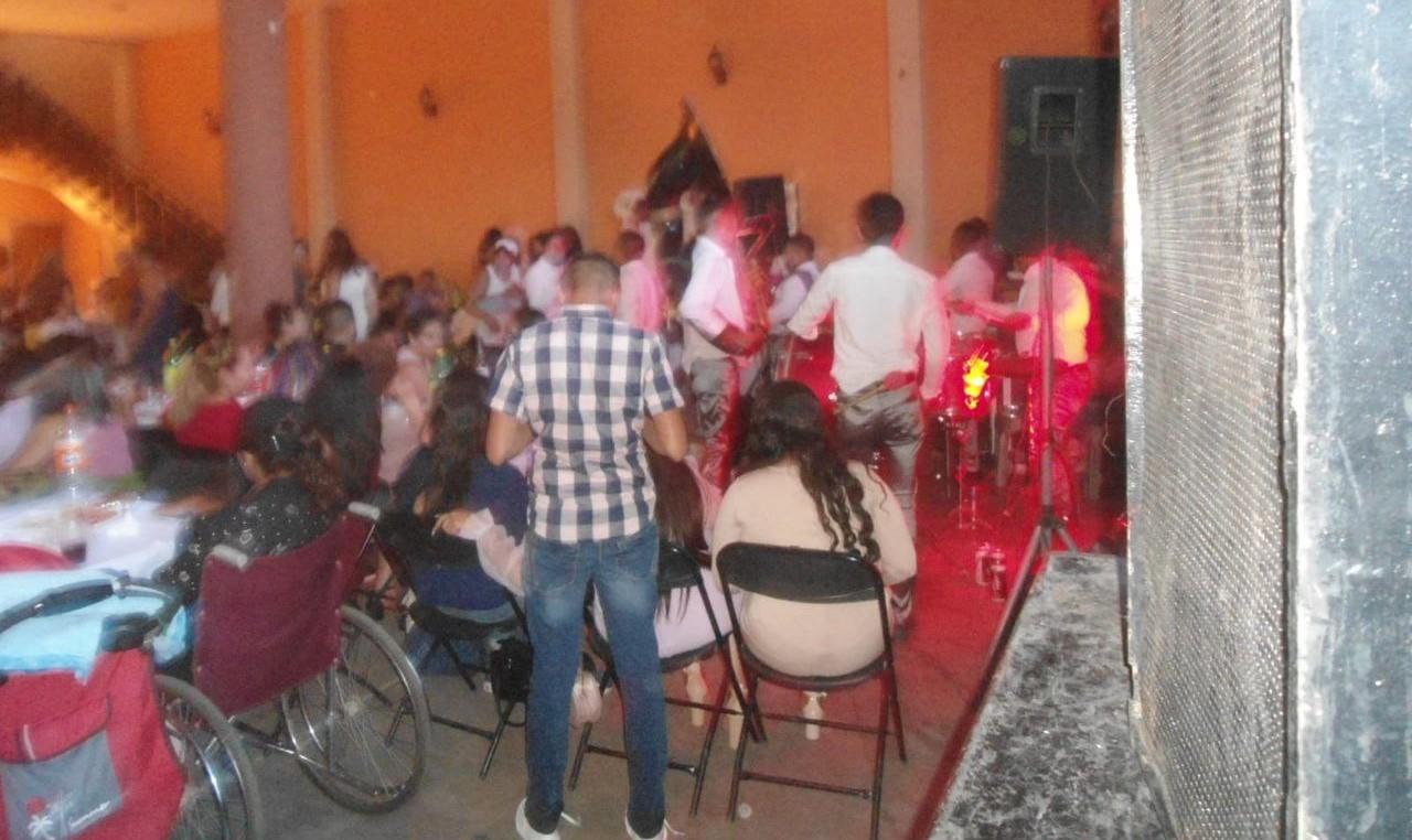 Suspenden en León fiestas con más de 600 invitados