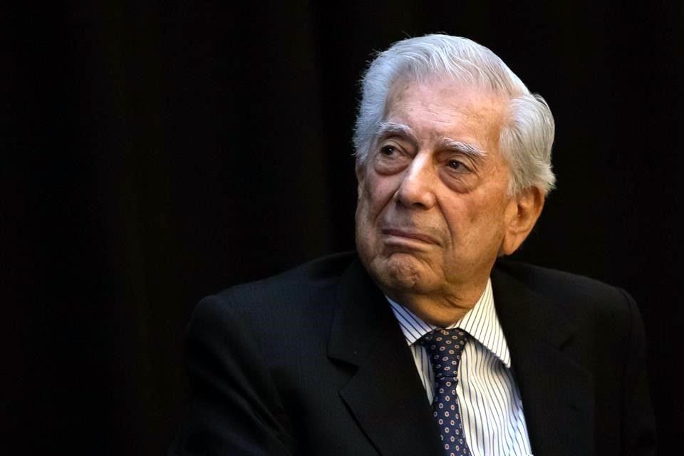 "Fustiga Vargas Llosa ""mañaneras"" de López Obrador"