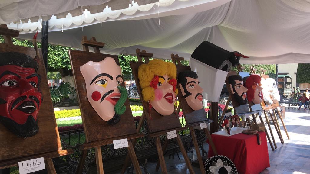 Montan exposición artesanos de Silao