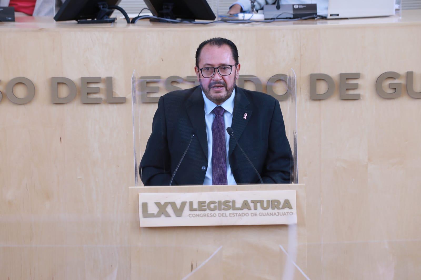Rinde reconocimiento diputado Armando Rangel a trabajadores de la salud