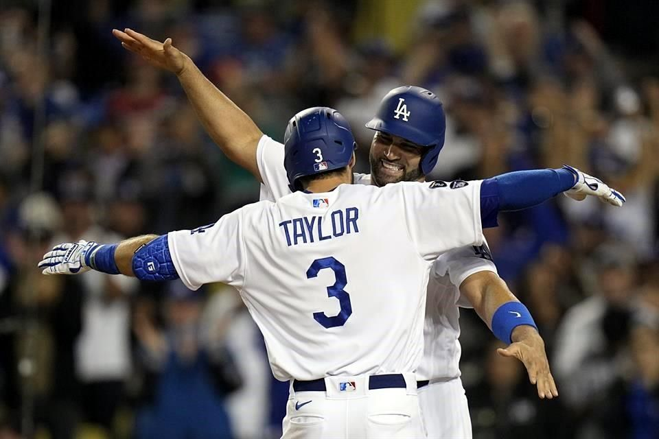 Respira Dodgers, apalea a Bravos